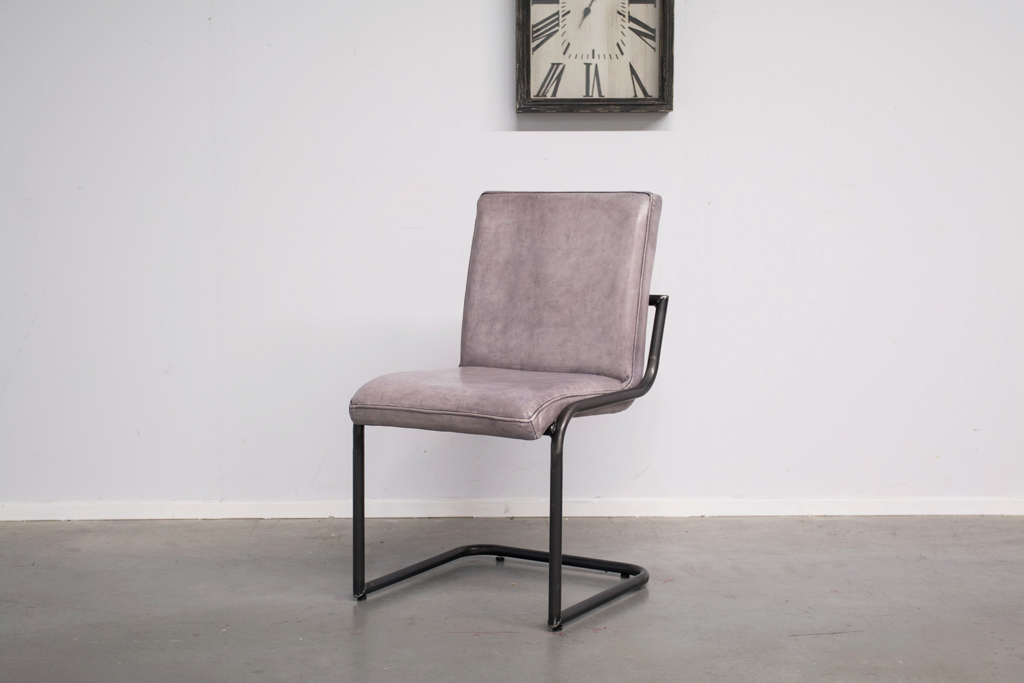 Industrial dining room chair Soem | industrial round