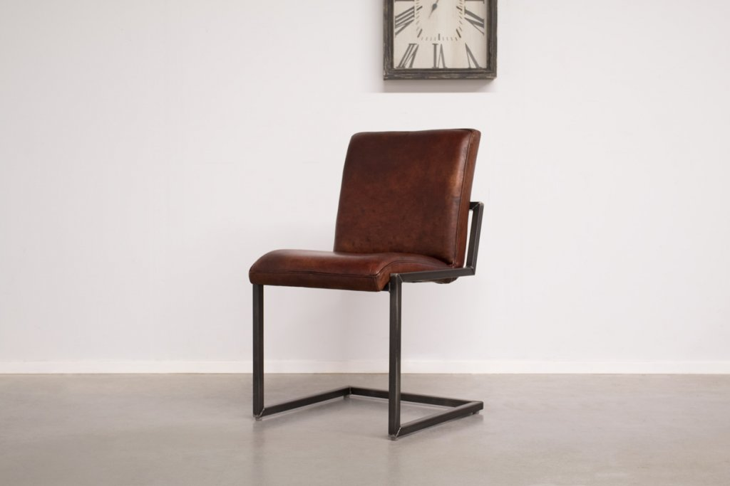 Industrial dining room chair Soem | industrial square
