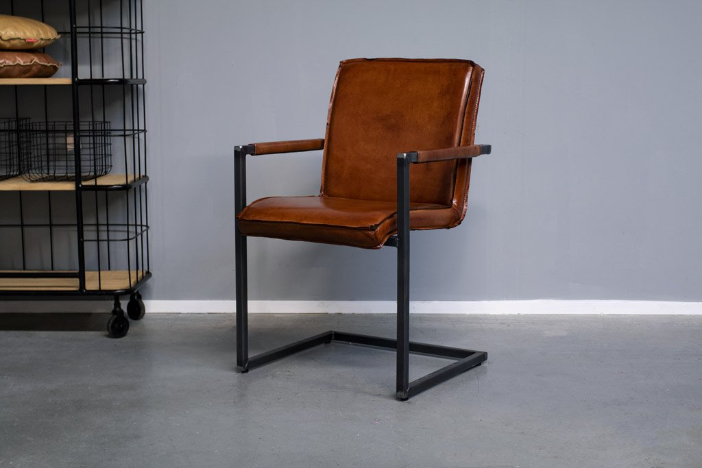 Industrial dining room chair Sally| with armrest | industrial square