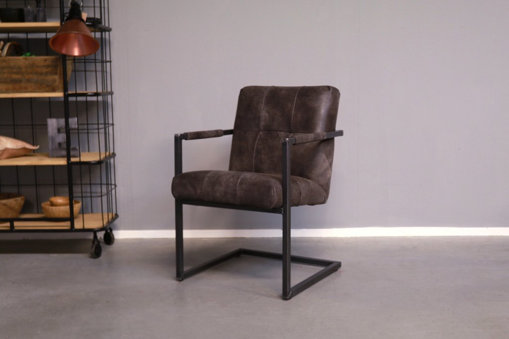 Industrial dining room chair Olli| with armrest | industrial square
