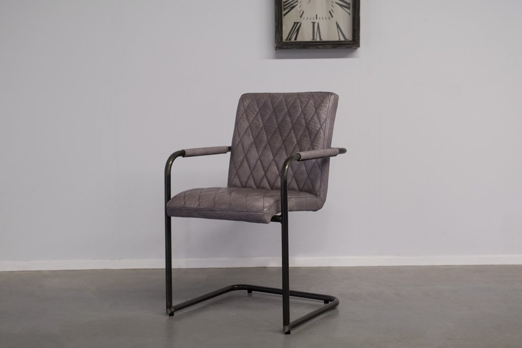 Industrial dining room chair Mary| with armrest | industrial round