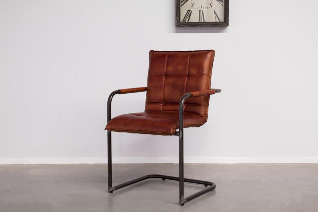 Industrial dining room chair Capo | met arm | industrial round