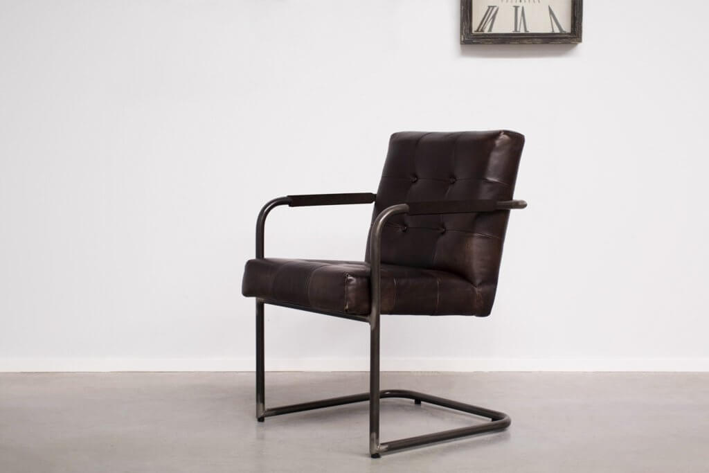 Industrial dining room chair Arad | met arm | industrial round