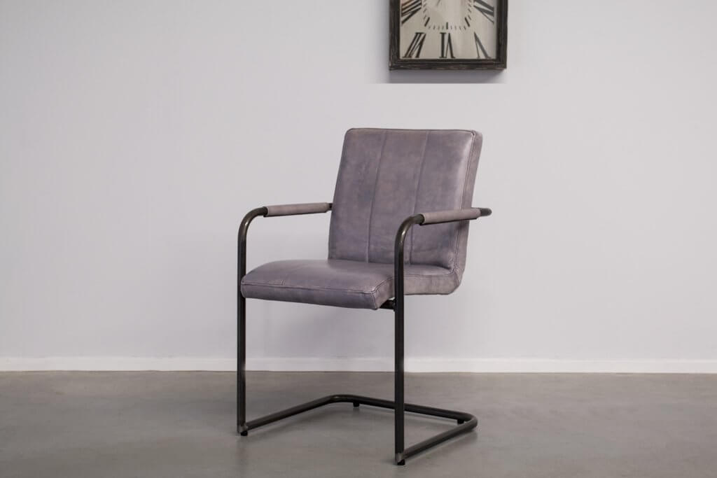 Industrial dining room chair Safira| with armrest | industrial round